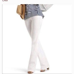 🎉 Sale Cabi Flare jeans white size 4 (J)